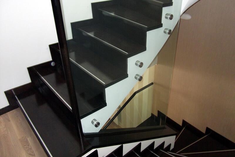 balustrada de sticla fixare in puncte