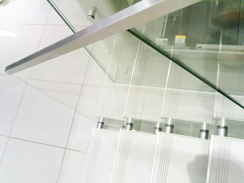 balustrada sticla cu profil de aluminiu