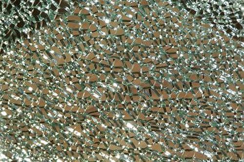 Exemplu de sticla securizata prelucrata la fabrica de sticla Transparent Design