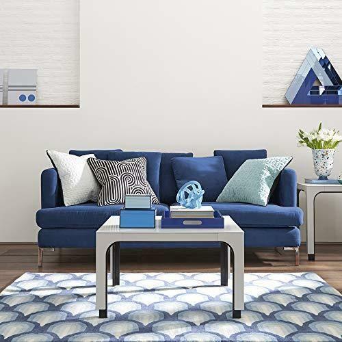 living cu canapea in nuanta classic blue
