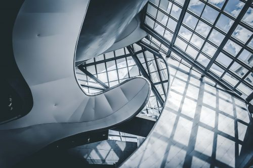 Sticla - un material fara precedent in Amenajarile Interioare si Exterioare